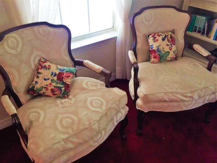 Ivory Chair Set